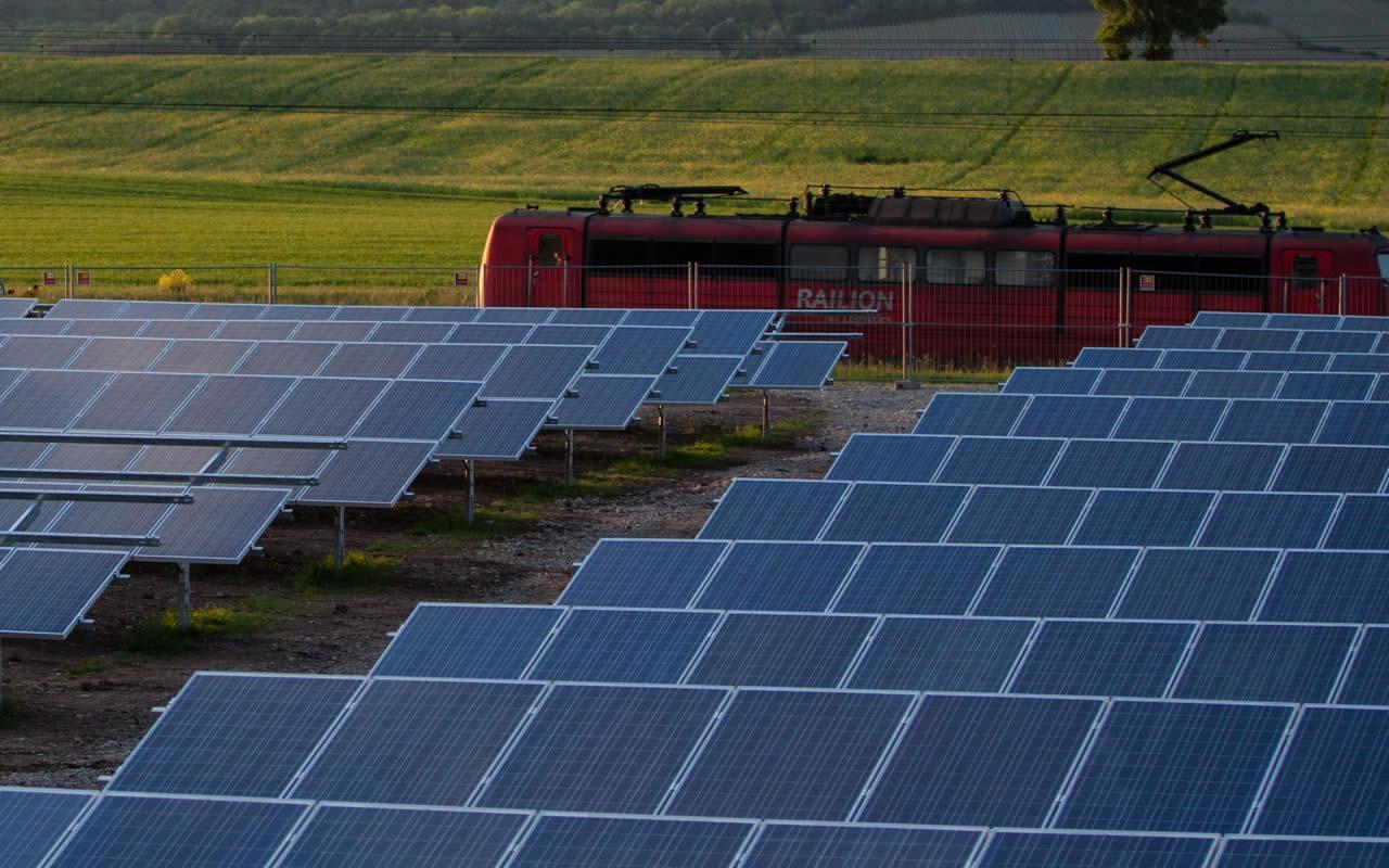 crece la potencia instalada en energías renovables en 2015