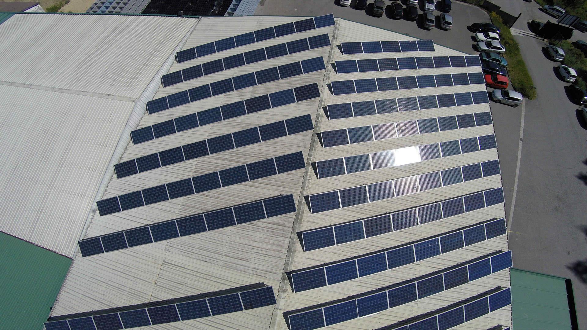 Instalador de paneles fotovoltaicos 24