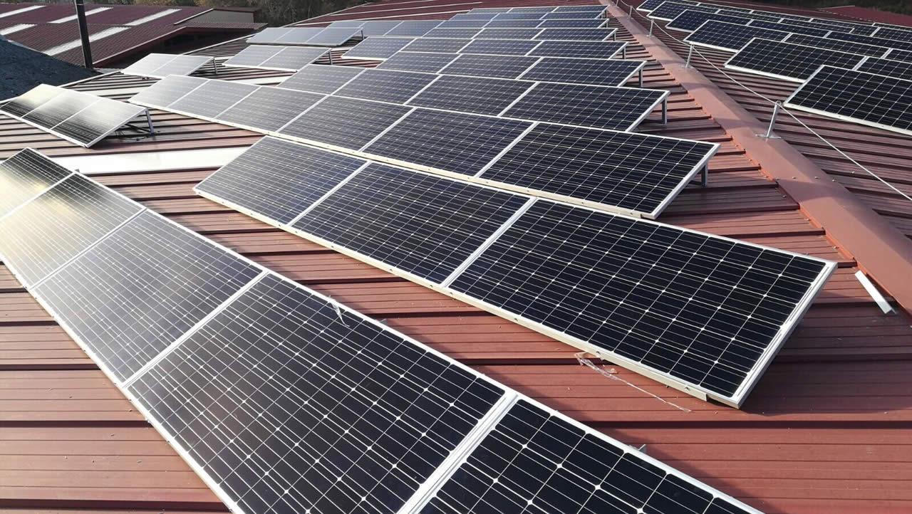 Primeras instalaciones fotovoltaicas de la delegación Navarra de EDF Solar