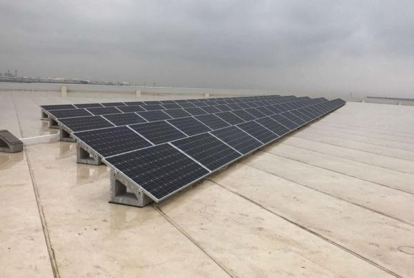Instalación de energía solar fotovoltaica en DHL Barcelona