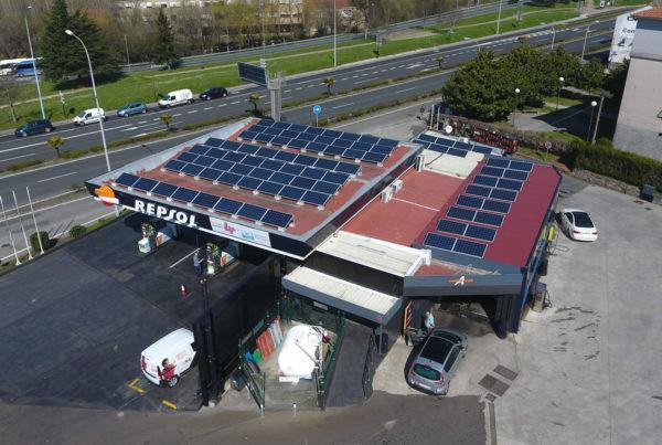 Instalación de energía solar fotovoltaica para autoconsumo en gasolinera Galuresa (A Coruña)