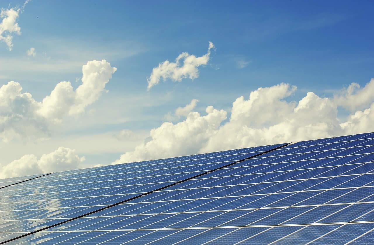 Reino Unido instaló 37 veces más potencia fotovoltaica que España en 2016