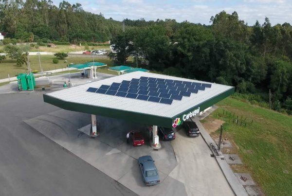 Instalación de autoconsumo en gasolinera Peteiro Motor - Eidf Solar