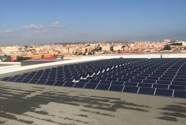 Instalación de autoconsumo fotovoltaico en Centro Comercial Parque Melilla - Eidf Solar