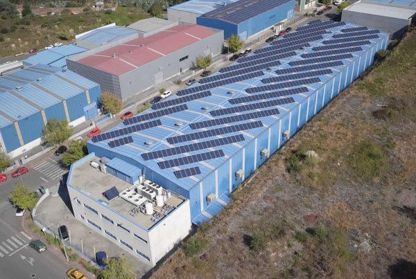 Instalación de autoconsumo fotovoltaico en Aludec Inyección - Eidf Solar