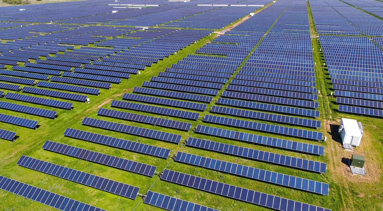 Holaluz y EDF Solar firman un PPA de 120 MW fotovoltaicos en España y Portugal