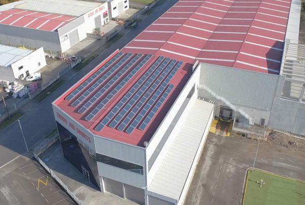 Instalación de autoconsumo industrial en Grupo Jim Sports, Lugo - EDF SOLAR