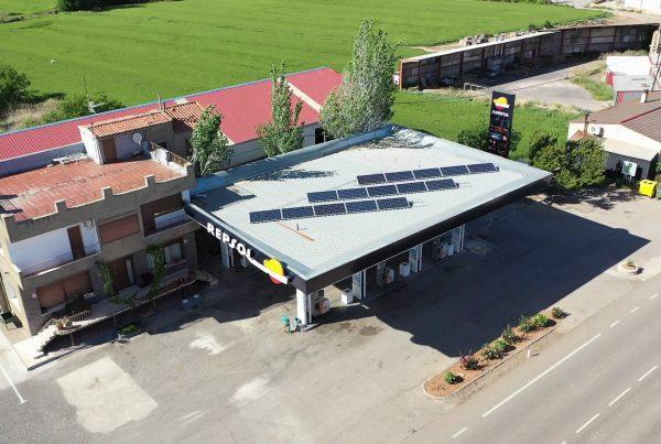 Instalación de autoconsumo en gasolinera Estación de Servicio Urrea de Jalón, Zaragoza - Eidf Solar
