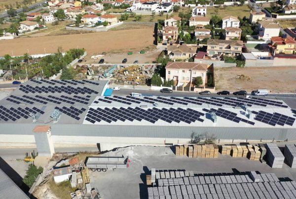 Instalación de autoconsumo fotovoltaico en Distribuciones Alimentarias Hermanos Cifuentes, Granada - EDF SOLAR