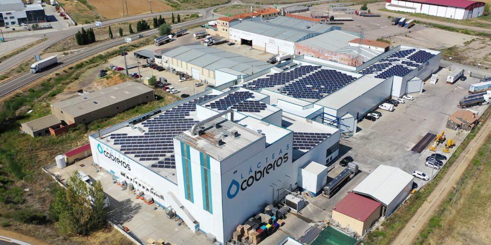 Instalación de autoconsumo fotovoltaico en Lácteas Cobreros, Zamora - EDF SOLAR