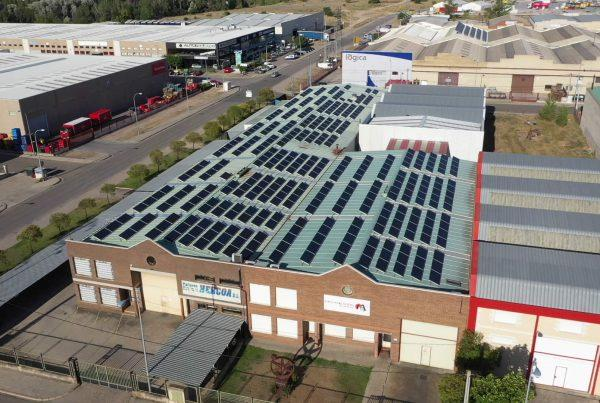Instalación de cubierta solar para autoconsumo en Mecanizados Aranda, Burgos - EDF SOLAR