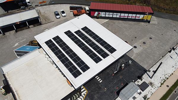 Instalación de autoconsumo eléctrico en estación de servicio - EDF Solar