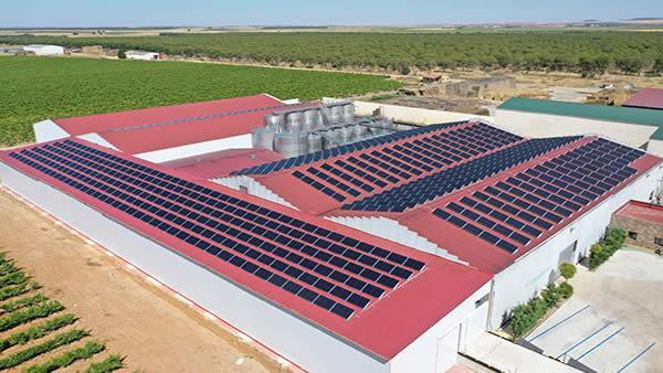 EDF SOLAR - Instalación de autoconsumo en Bodegas Copaboca, Torrecilla