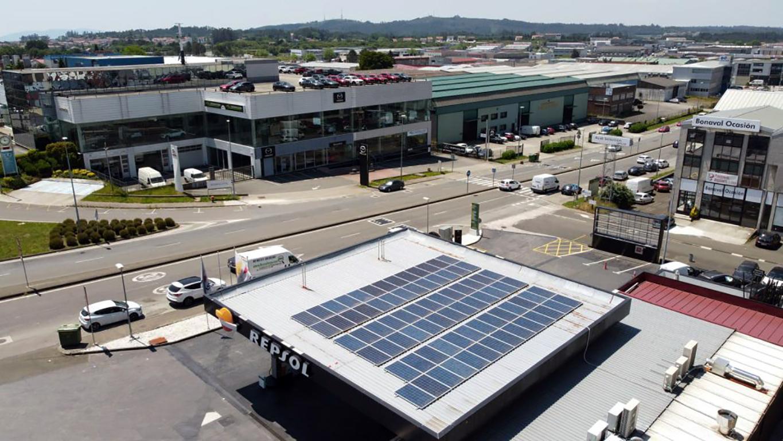 Instalación de autoconsumo fotovoltaico en estación de servicio Galuresa (Galicia) - EDF Solar
