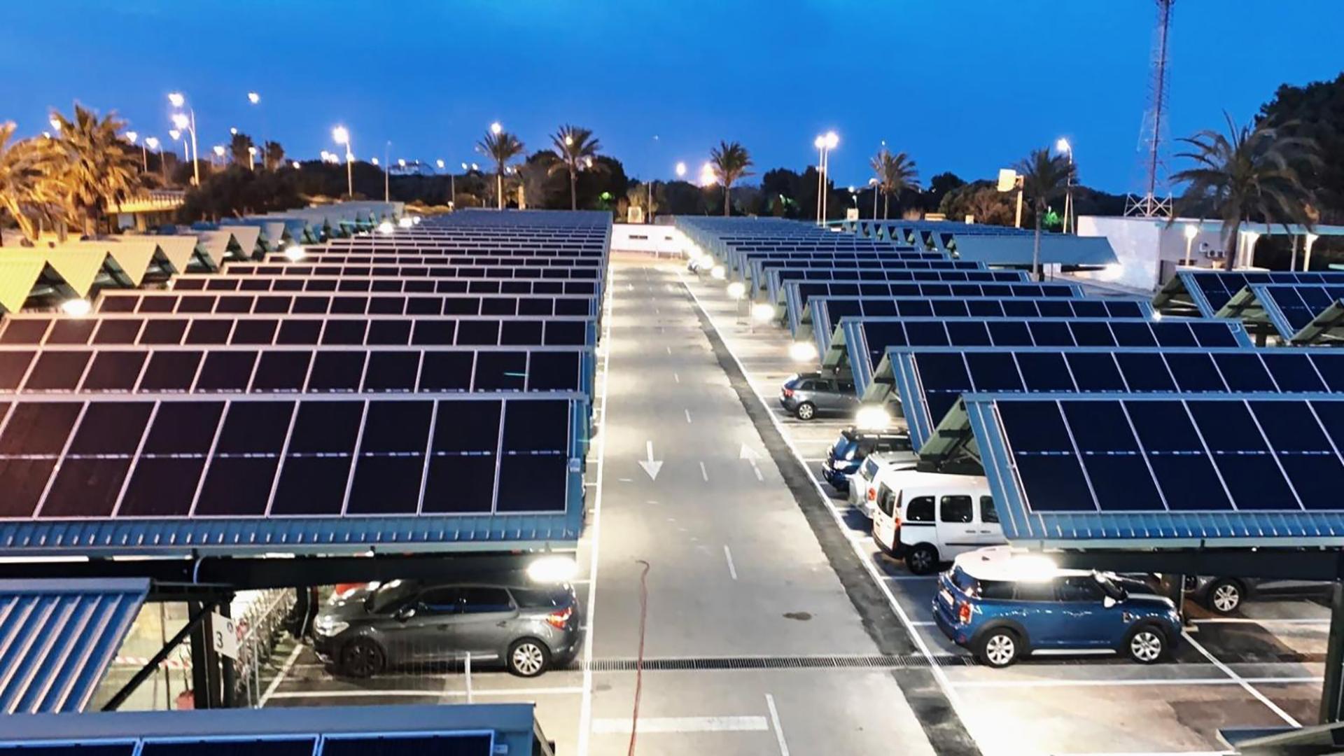 Instalación de autoconsumo fotovoltaico en Aeropuerto de Menorca