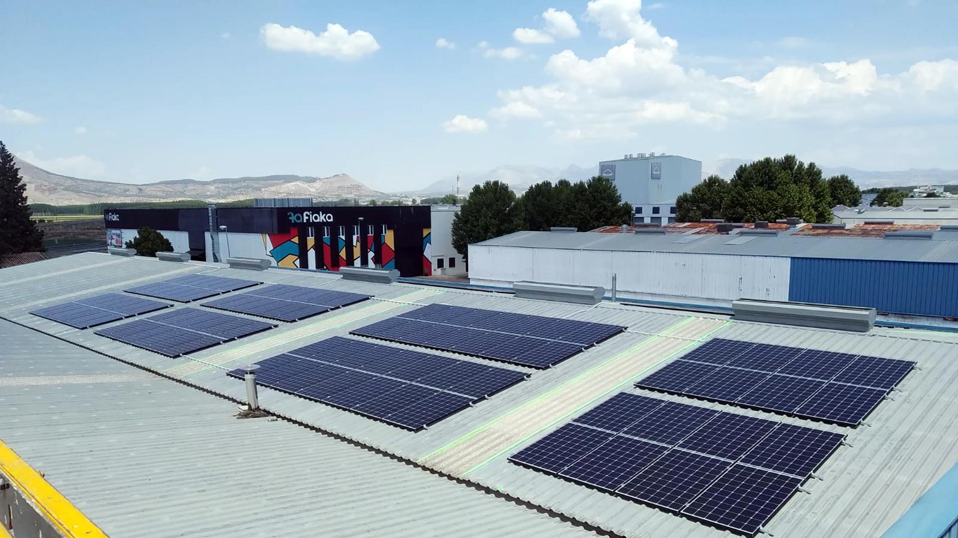Instalación de autoconsumo fotovoltaico en la empresa Koity Papel