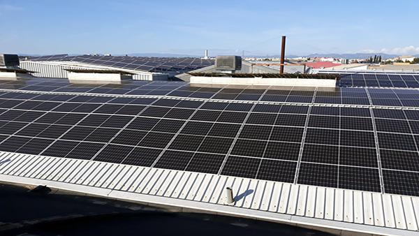 Instalación de autoconsumo fotovoltaico en Tecnocaucho