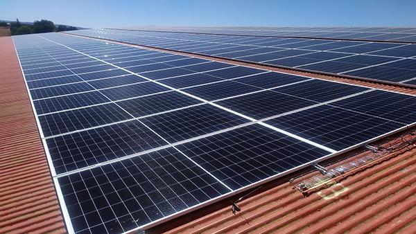 Instalación de autoconsumo fotovoltaico en Sistemas Limobel | Eidf Solar