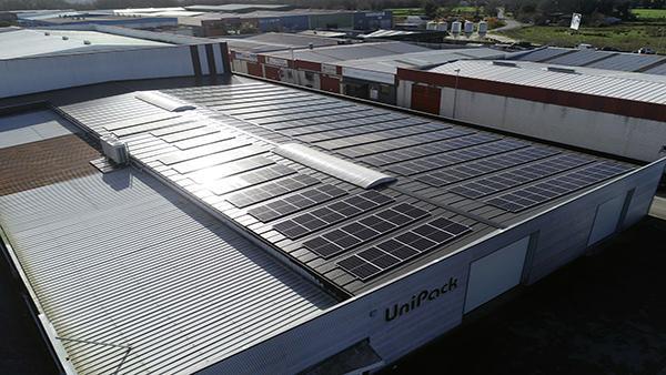 Instalación autoconsumo fotovoltaico en Unipack Impresion | EiDF Solar