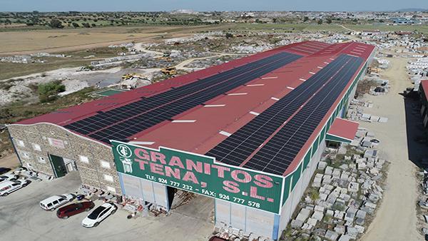 Instalación de autoconsumo fotovoltaico en Granitos Tena | EiDF