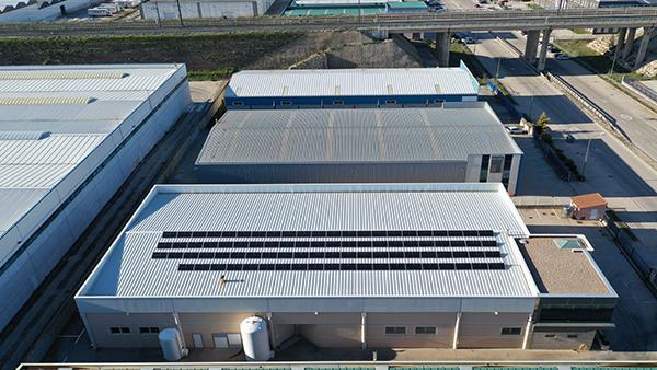 Instalación de paneles solares para autoconsumo en Quesos Sasamón   EiDF