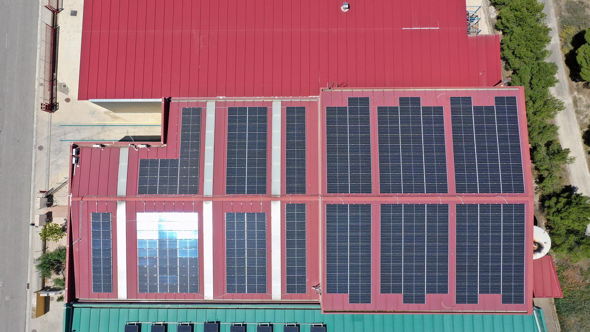 Instalación fotovoltaica de autoconsumo en Importaciones Samanes | EiDF