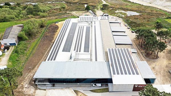 Instalación fotovoltaica autoconsumo en Biomarine Center | EiDF Solar
