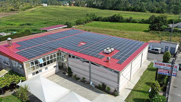 Instalación de autoconsumo fotovoltaico en Matadero Comarcal de Soneira | EiDF